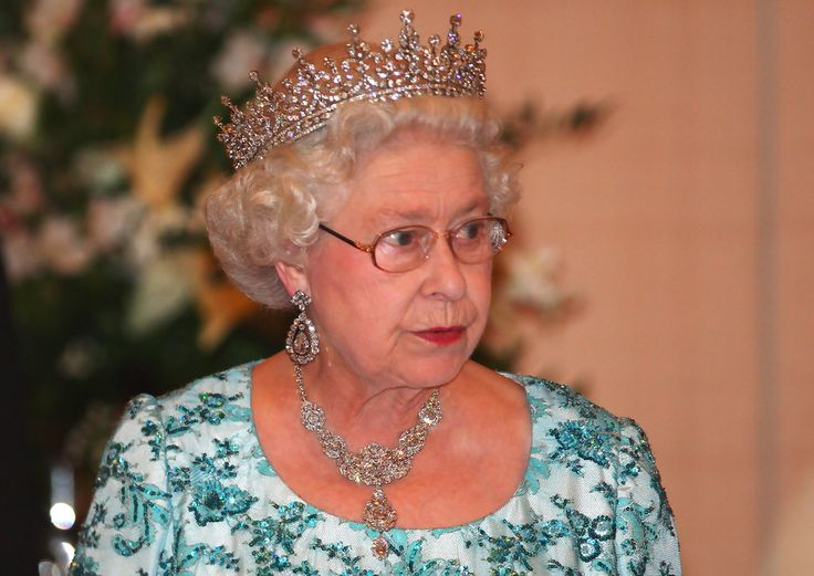 Queen Elizabeth II Photos Photos - Commonwealth Heads Of Government Meeting - Day 1 - Zimbio