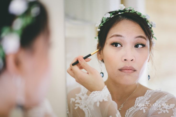 Brides wedding preparations at The Orchard Luxury B&B, Red Hill South, Mornington Peninsula. Melbourne Wedding Photography.