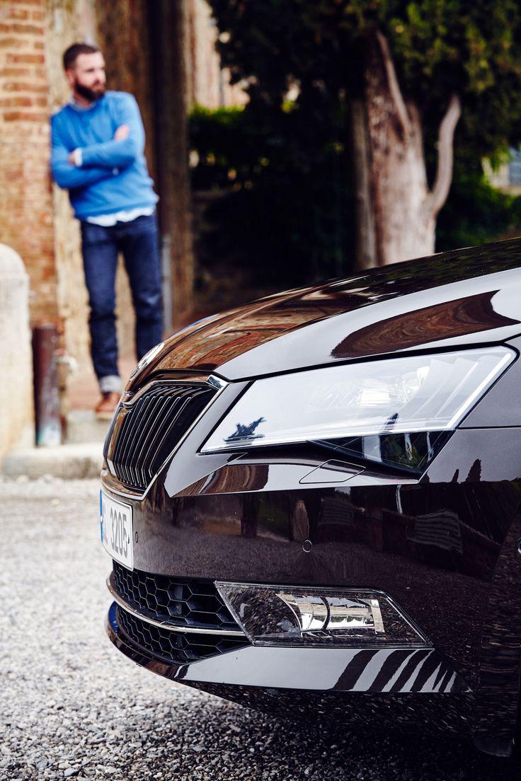 Erstklassige Reise // Škoda Superb von Moritz Thau für Heldth