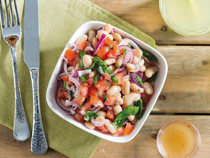 Recept Salade met witte bonen, tomaat en basilicum | Ekoplaza | De grootste biologische supermarktketen van Nederland