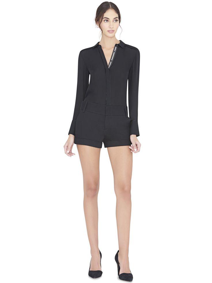 ALICE AND OLIVIA BLACK CADY CUFF SHORTS. #aliceandolivia #cloth #