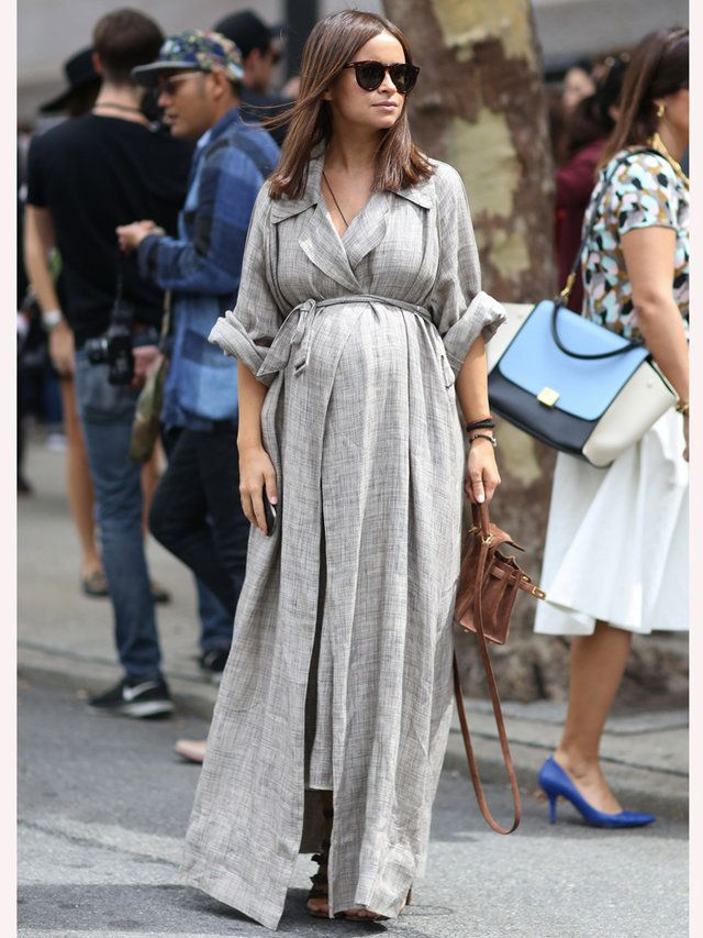 【ELLE】写真 ドレスのリラックスムードがこなれ感を演出 ミロスラヴァ・デュマに学ぶモードなマタニティファッション エル・オンライン