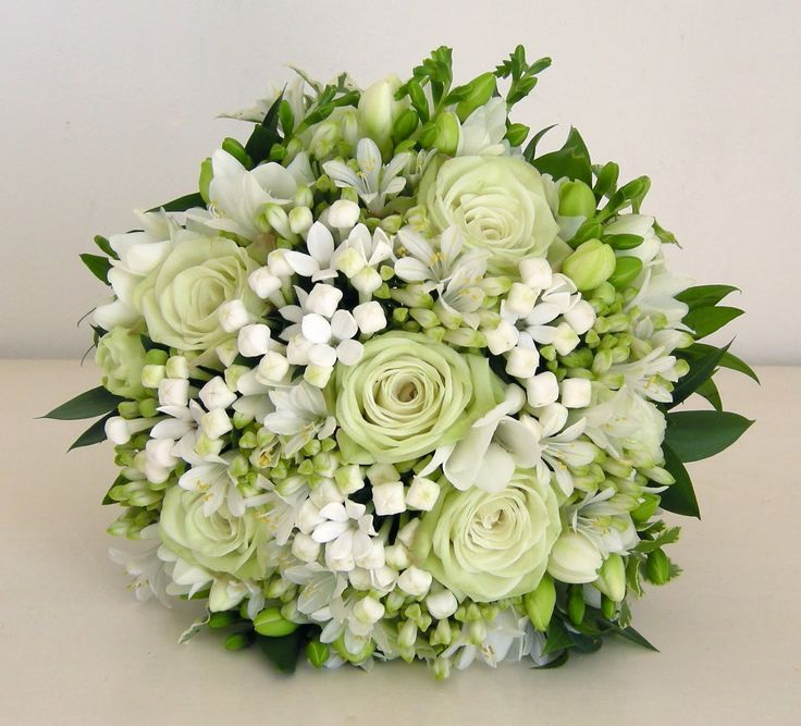 Wedding Flowers Blog: Alison's pale green and white wedding flowers, Potters Heron, Ampfield
