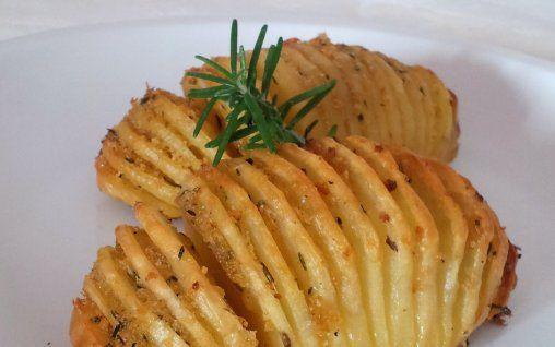 Retete Culinare - Cartofi Hasselback
