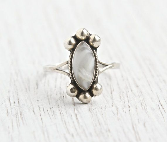 Vintage Sterling Silver Ring - Size 7 Marbled White Semi Precious Quartz Stone Mexican Jewelry / Snow White