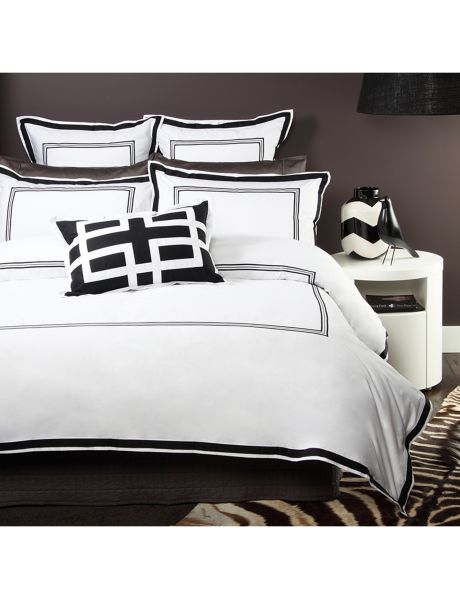 A true classic, the Domani Tuxedo duvet cover set will give your bedroom a sophisticated quality.