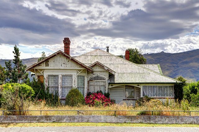 Old house, Middlemarch, Otago, New Zealand by brian nz - Away for a while, via Flickr