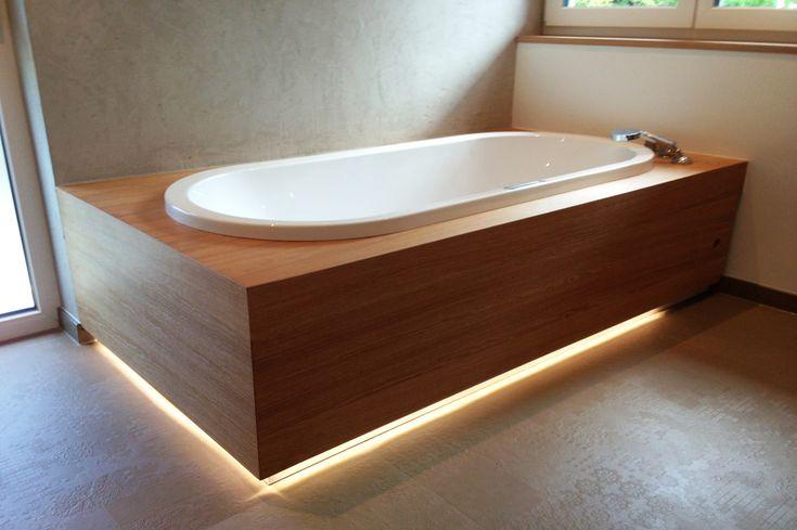 Badezimmermöbel vom Schreiner, Badewannenverkleidung, Waschtisch