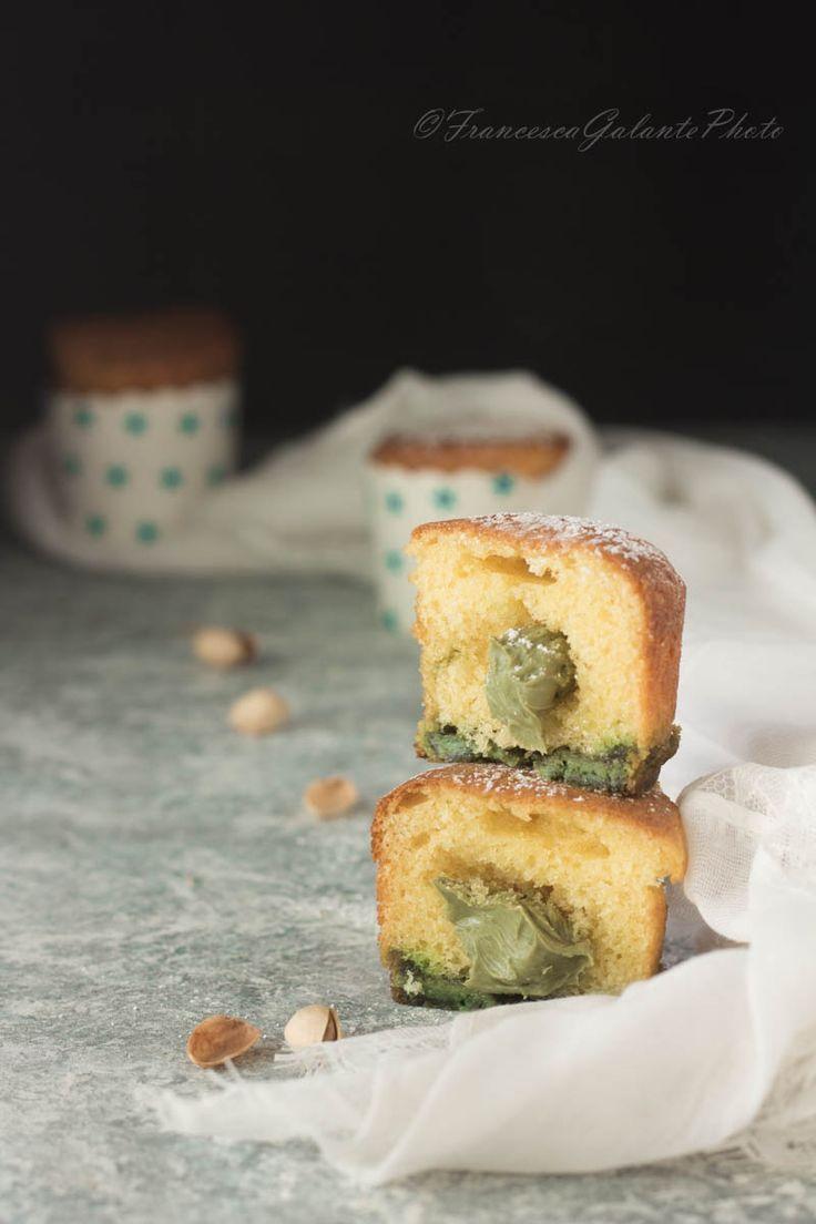 Muffin al pistacchio e cioccolato bianco