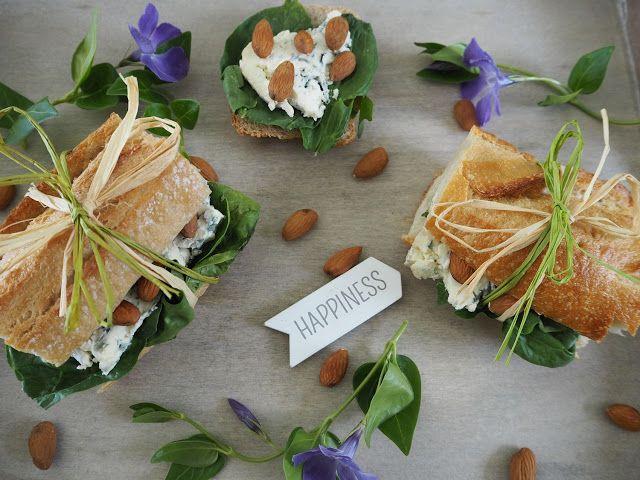 SMAKI FRANCJI współczesna kuchnia francuska: BAGIETKA ZE SZPINAKIEM, SEREM PLEŚNIOWYM I MIGDAŁA...