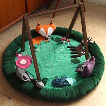 Tapis d'éveil pour bébé avec animaux de la forêt par Why buy when you can create