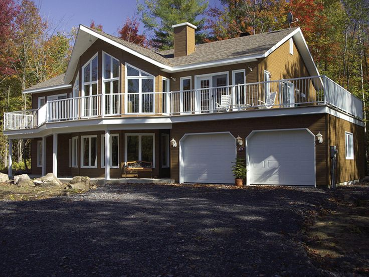 This would be perfect for us!!  Chasetown Luxury Mountain Home Front of Home from houseplansandmore.com
