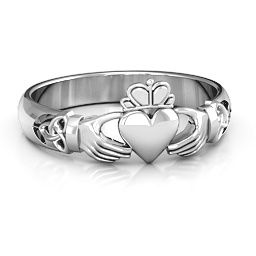 An understated take on the traditional Claddagh - adding a little more tradition with celtic knots on the sides. Choose any metal!