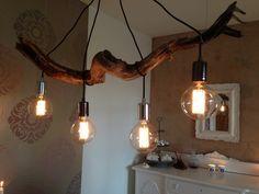 Lamp made of Wood found on the beach. Good idea as dinningtable fixture! ❤️