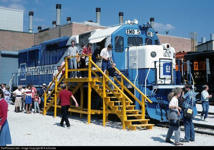 115 Best Images About General Motors Corporation Eletromotive Division Trains On Pinterest