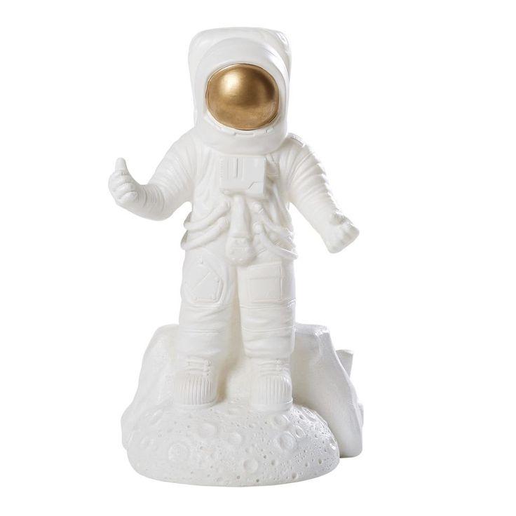 Lampe Cosmonaute Blanche Et Doree Maisons Du Monde Lampe Maison Du Monde Deco Lumineuse