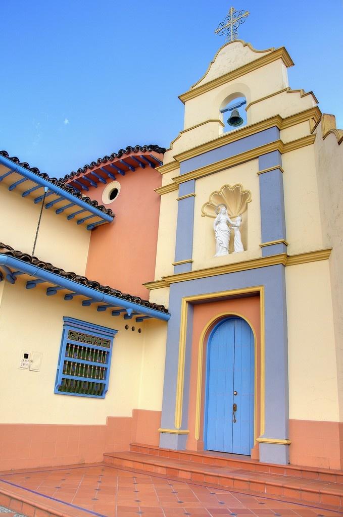 Convento en Guatape, Antioquia