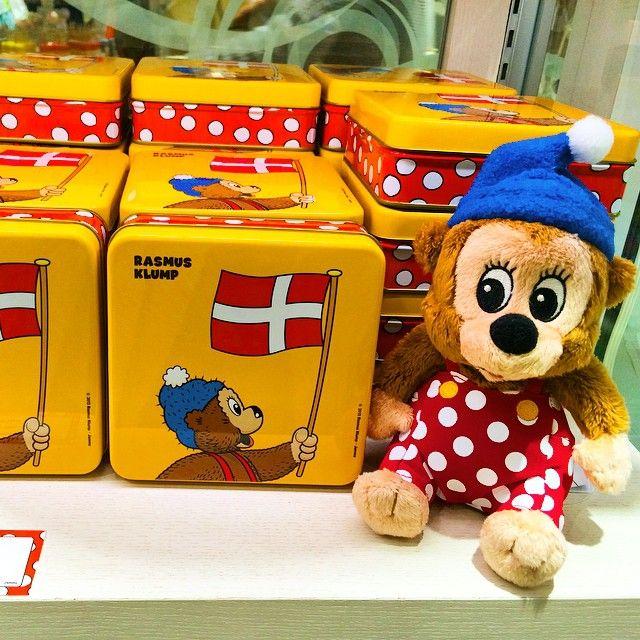 Instagram media chankumi731 - デンマーク発、RASMUS KLUMP日本上陸! パンケーキが大好きなクマのキャラクター。これから知名度上がるはず♪ 頑張れ〜!! #デンマーク#ラスムスクルンプ #パンケーキ好きのクマと仲間が船で世界を旅する物語 #デンマークでは国民的キャラクター #since1951 #歴史は長い #最近日本に上陸 #RASMUSKLUMP #北欧#雑貨