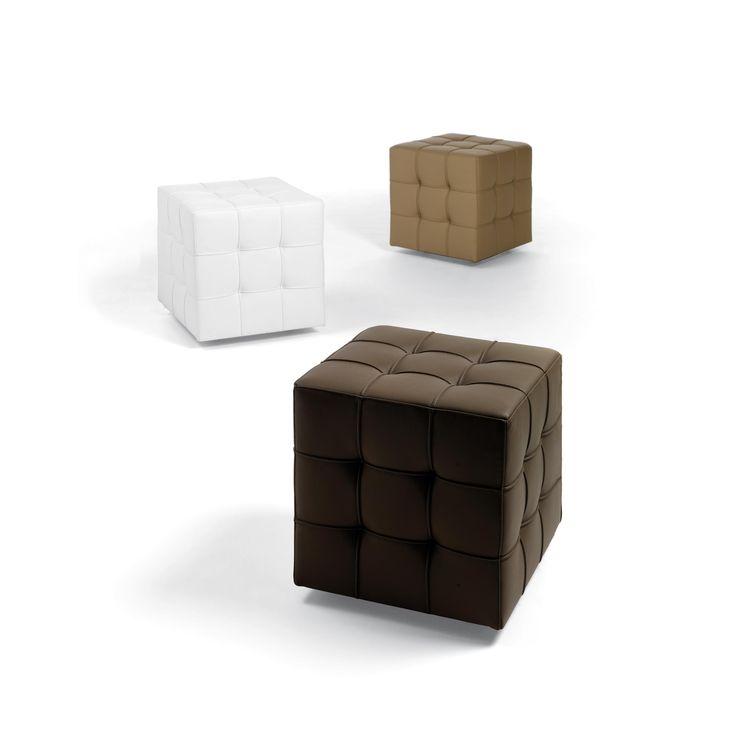 17 migliori idee su pouf in pelle su pinterest pouf pouf marocchino e pelle marrone chiaro. Black Bedroom Furniture Sets. Home Design Ideas