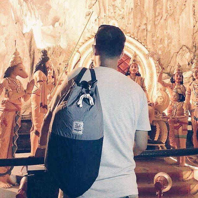 At Batu Caves Malaysia with CUB Traveler Black-Gray Sailor Bag, #traveling #black #travelingbag #bags #asiatrip #uniquebag #sailorbag
