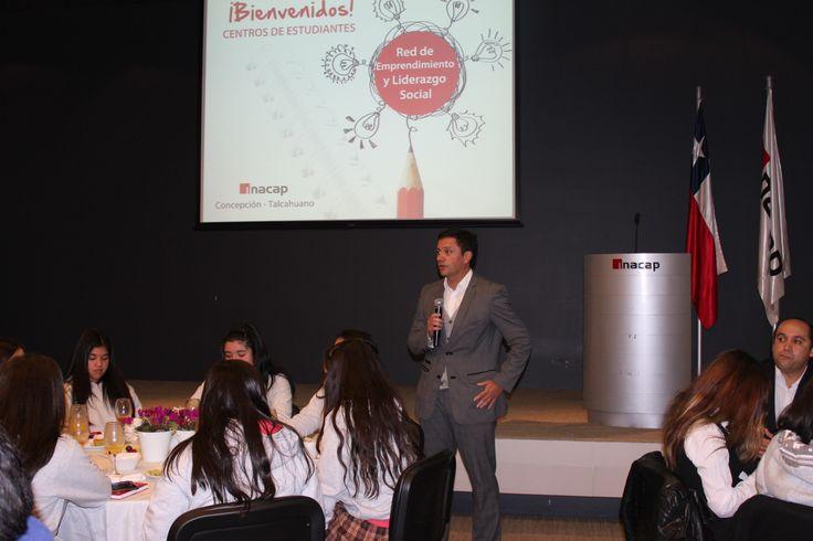 Vicerrector Andrés Lopez en Desayuno Centro de Alumnos Establecimientos de Enseñanza Media