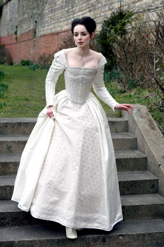 White Silk Elizabethan Gown With 3500 by KatmarenDesigns perfect for a renaissance festival