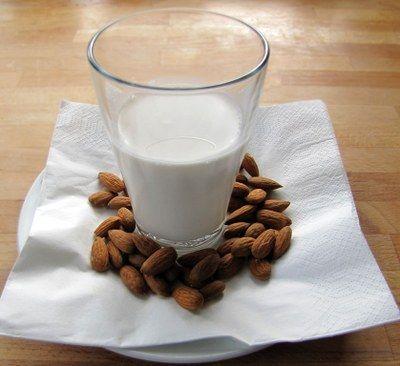Mandelmælk - eller anden nøddemælk