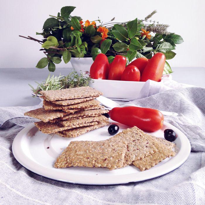 timo e basilico: Crackers integrali ai semi misti {back to the roots}