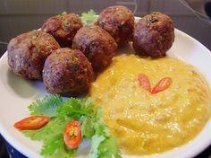******** Duftende Thai - Fleischbällchen mit Erdnuss - Sauce, ein gutes Rezept aus der Kategorie Snacks und kleine Gerichte. Bewertungen: 50. Durchschnitt: Ø 4,4.