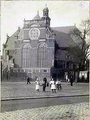 De eeuwenoude Noorderkerk was de 1ste kerk in Amsterdam die, speciaal voor de protestantse erediensten, gebouwd werd naar een ontwerp van Hendrick de Keyser. Het gebouw, waarvan de plattegrond een achthoek is en de bovenbouw een Grieks kruis met vier even lange benen.