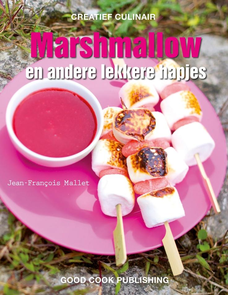 Lijkt het je ook zo leuk om rond een kampvuur marshmallows te roosteren? In dit boek vind je geweldige, heel makkelijk te maken recepten. Speels en om van te snoepen, marshmallows en andere lekkere hapjes zoals je ze nog nooit hebt gegeten! En je hoeft marshmallows heus niet alleen bij de barbecue te eten. Auteur: Jean-Francois Mallet | 64 pagina's | ISBN 9789461430595 | Good Cook