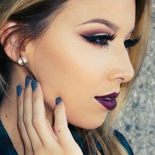 Smokey eye with dark lip. I love her youtube makeup videos. @lustrelux