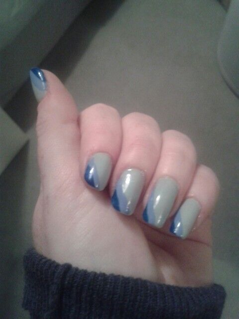 Blue stripy #nailart #nailie