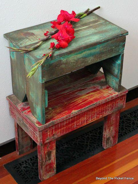 Pallet Stool, http://bec4-beyondthepicketfence.blogspot.com/2016/05/1-pallet2-stools.html