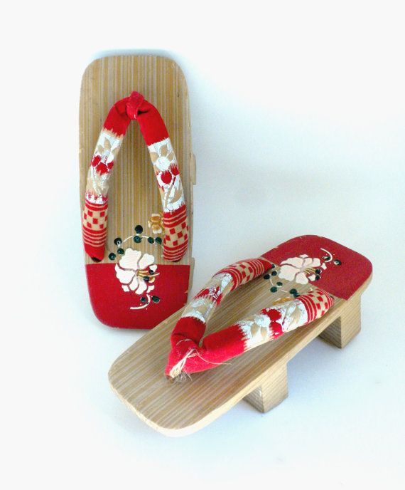 Wooden Geisha Sandals Japanese Geta Shoes by AngiezillasBoutique