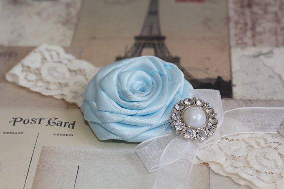 ISABELLA: Light Blue Wedding Garter. Ivory Lace Garter. Something Blue. Winter Wedding Garter. Fairytale Wedding.