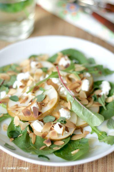 Peer-geitenkaas salade met amandel, honing en oregano recept - Salade - Eten Gerechten - Recepten Vandaag