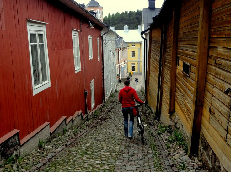 A cobble stoned alley in Porvoo