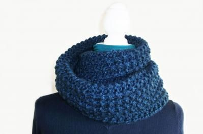 les snoods maille apr s maille pinterest filets crochet et tricot. Black Bedroom Furniture Sets. Home Design Ideas