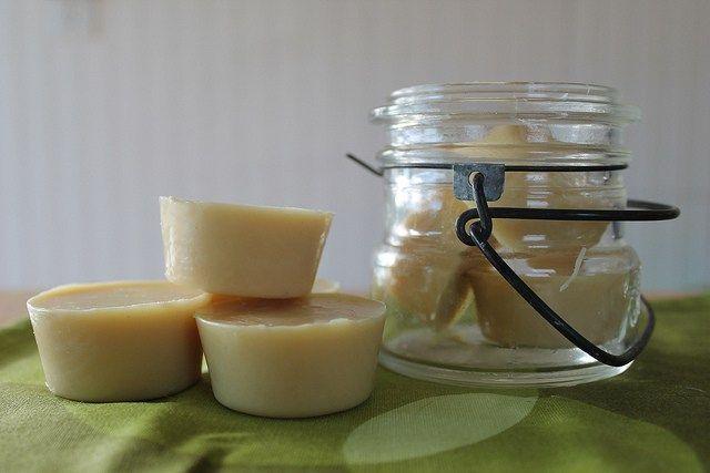 Lotion en barre avec l'huile de noix de coco