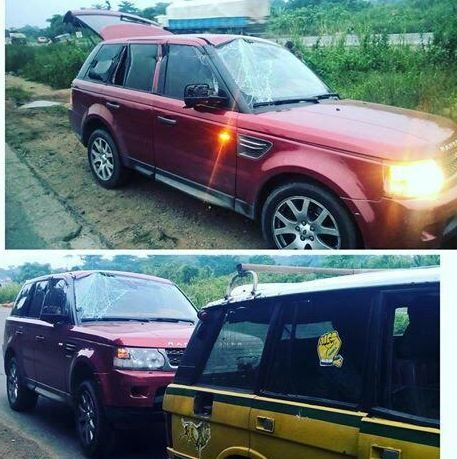 welcome to naija younger's blog: P-Square escape unhurt from an accident along Lago...