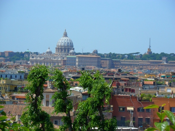 Basilica of San Pietro (St. Peter) from the Pincio Park of Rome