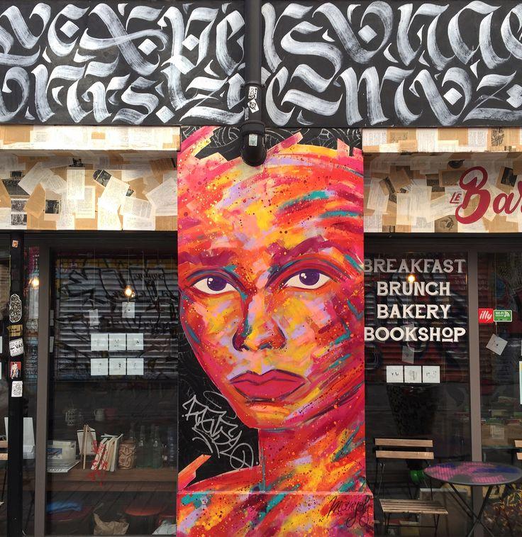 #calligraphy by @boxvincent #boxvincent & paint/collage by @manyoly #manyoly #streetart #graffiti #graff #spray #bombing #wall #sprayart #instagraff #urbanart #wallporn #urbanwalls #tv_streetart Rue Denoyez #paris