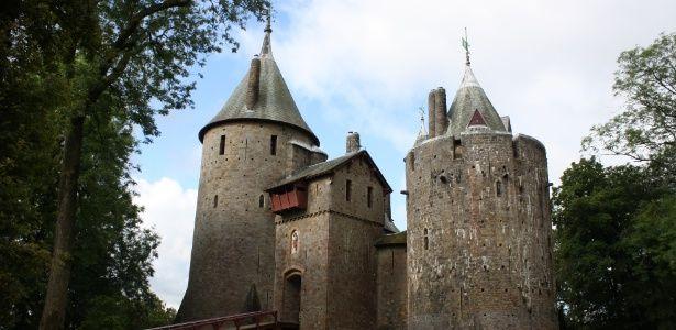 Castelo de 50 a.C. é atração entre mais de 400 construções no País de Gales - Guia de Viagem - UOL Viagem