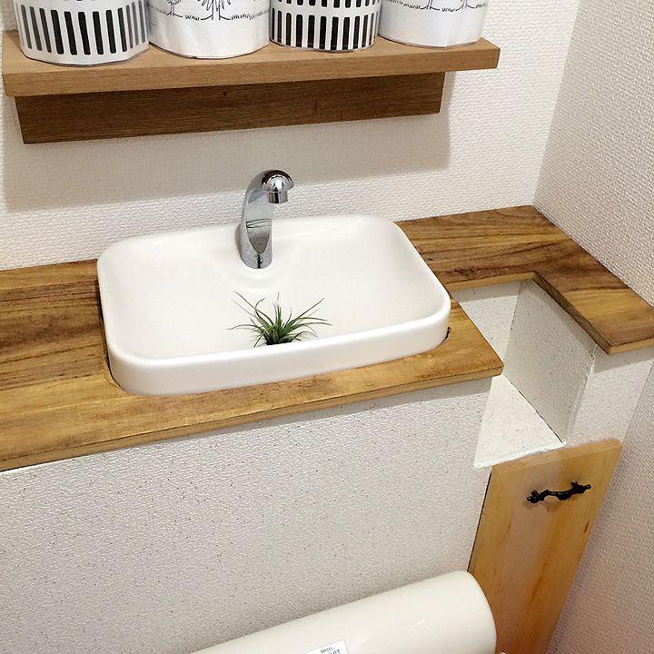 簡単プチリノベで快適空間をGET!muccoさんのトイレタンク隠し収納 | RoomClip mag | 暮らしとインテリアのwebマガジン
