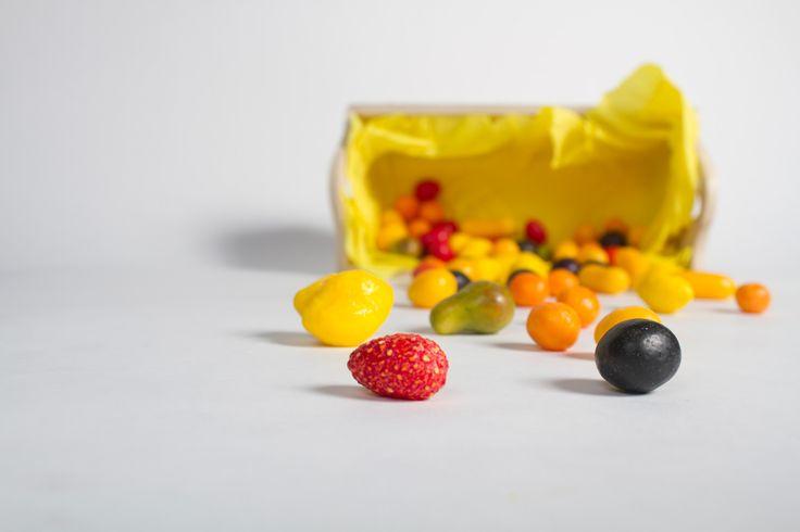 Amêndoas de fruta com goma