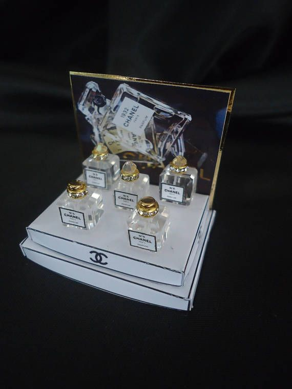 Perfume shopdisplay Chanel 1/12th scale