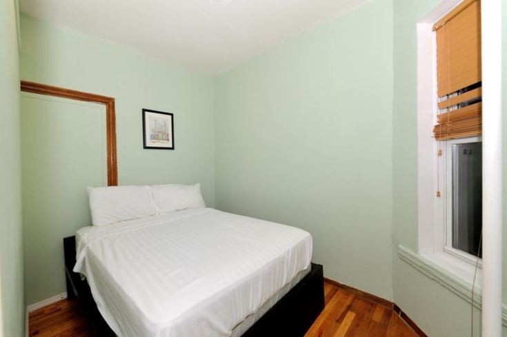 'Small Room for Rent * Female Preferred* $1200' Room to Rent from SpareRoom