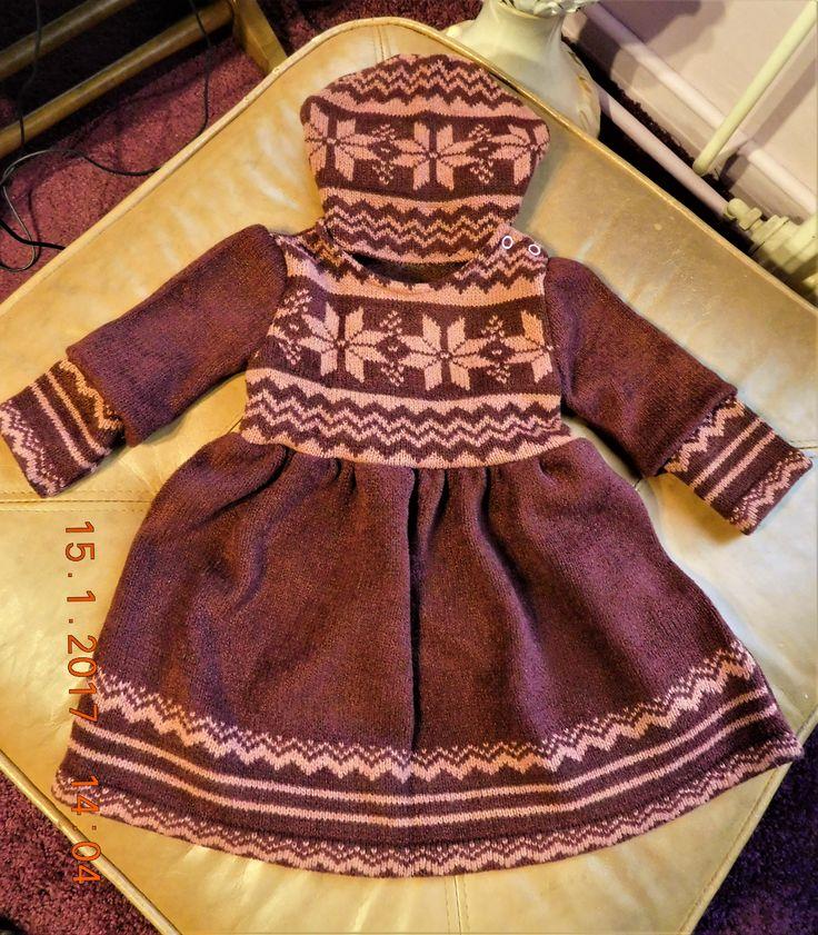 dětské šaty a čepice