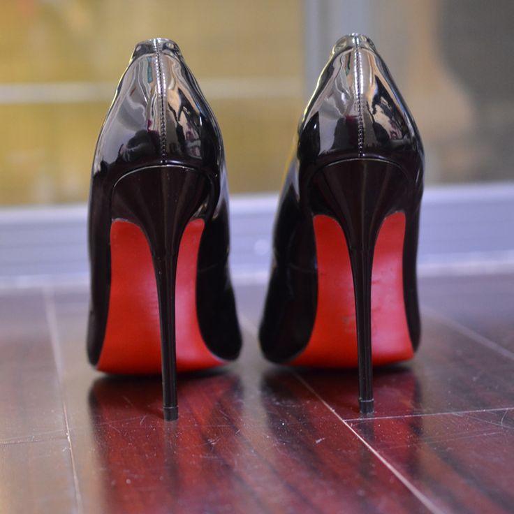 Barato Top Mulheres Marca Bombas 2017 saltos finos Fundo Vermelho Alta saltos Sapatos De Grife De Luxo Couro Envernizado Sapatos de Casamento Mulher Sexy sapatos, Compro Qualidade Bombas das mulheres diretamente de fornecedores da China:     mulheres Tamanho Da Tabela     tamanho   ERU    calcanhar Ao Dedo Do Pé      3   34   22 cm     4   35   22.5 cm